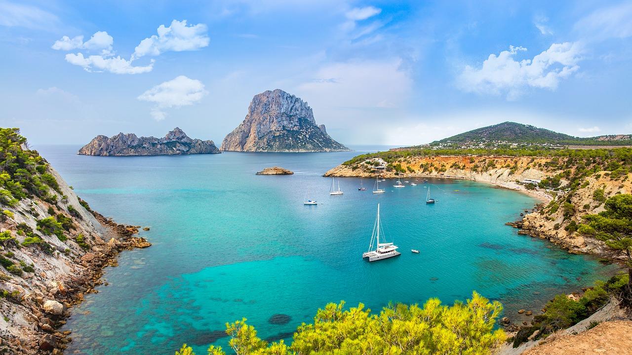 Die 9 Orte auf Ibiza, die man gesehen haben muss