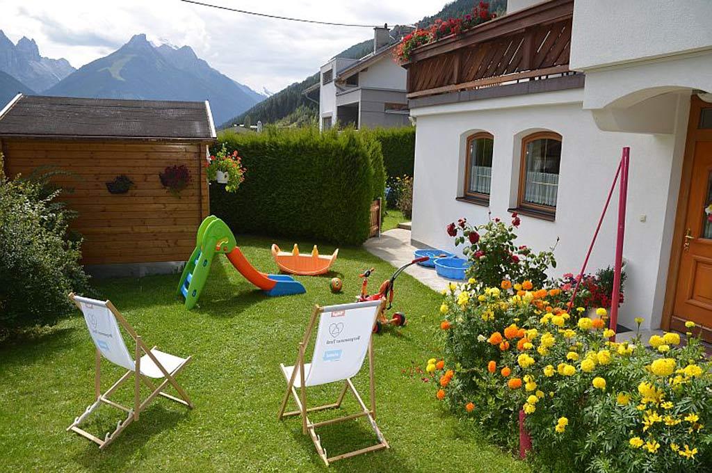 Ferienwohnung Serles mit Terrasse